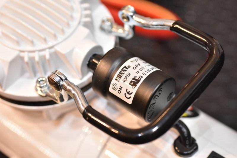 コンプレッサー 圧力スイッチ
