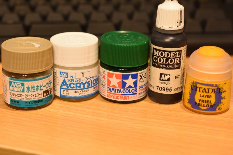 プラモデル塗料で使う「水性アクリル塗料」の違いをメーカー別に徹底比較!
