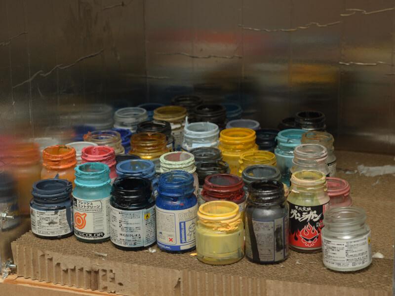 使用済み塗料瓶