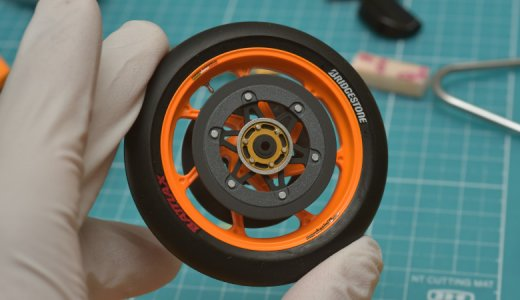 バイクのプラモデルを製作してみた!ゴムパーツであるタイヤやホイールを仕上げる。